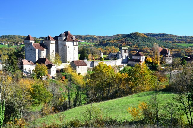 independent walking holiday France village Curemont
